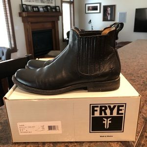 FRYE Philip Chelsea boot 8.5